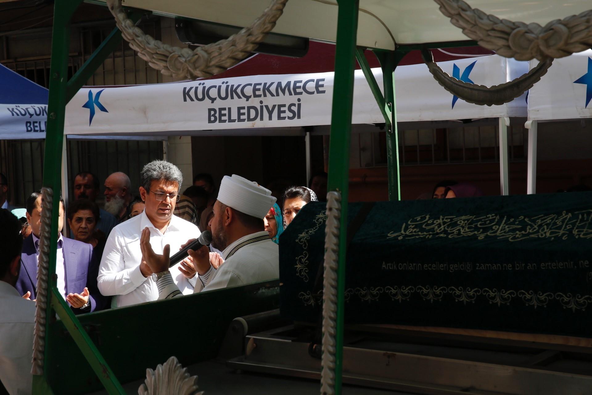 BAŞKAN KARADENİZ'İN ANNESİ SON YOLCULUĞUNA UĞURLANDI