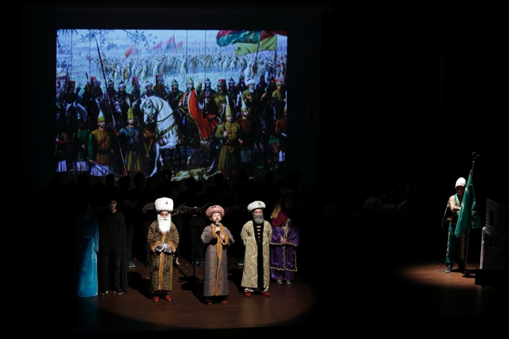 MİNİKLERDEN İSTANBUL'UN FETHİNE ÖZEL KUTLAMA