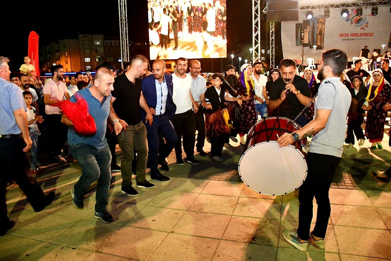 KARDEŞLİK FESTİVALİ'NDE GÜNEY DOĞU ANADOLU RÜZGARI