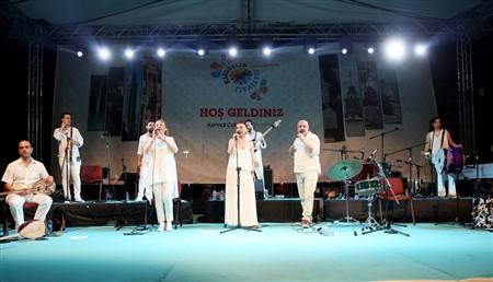 KARDEŞLİK FESTİVALİ' NDE KARDEŞ TÜRKÜLER